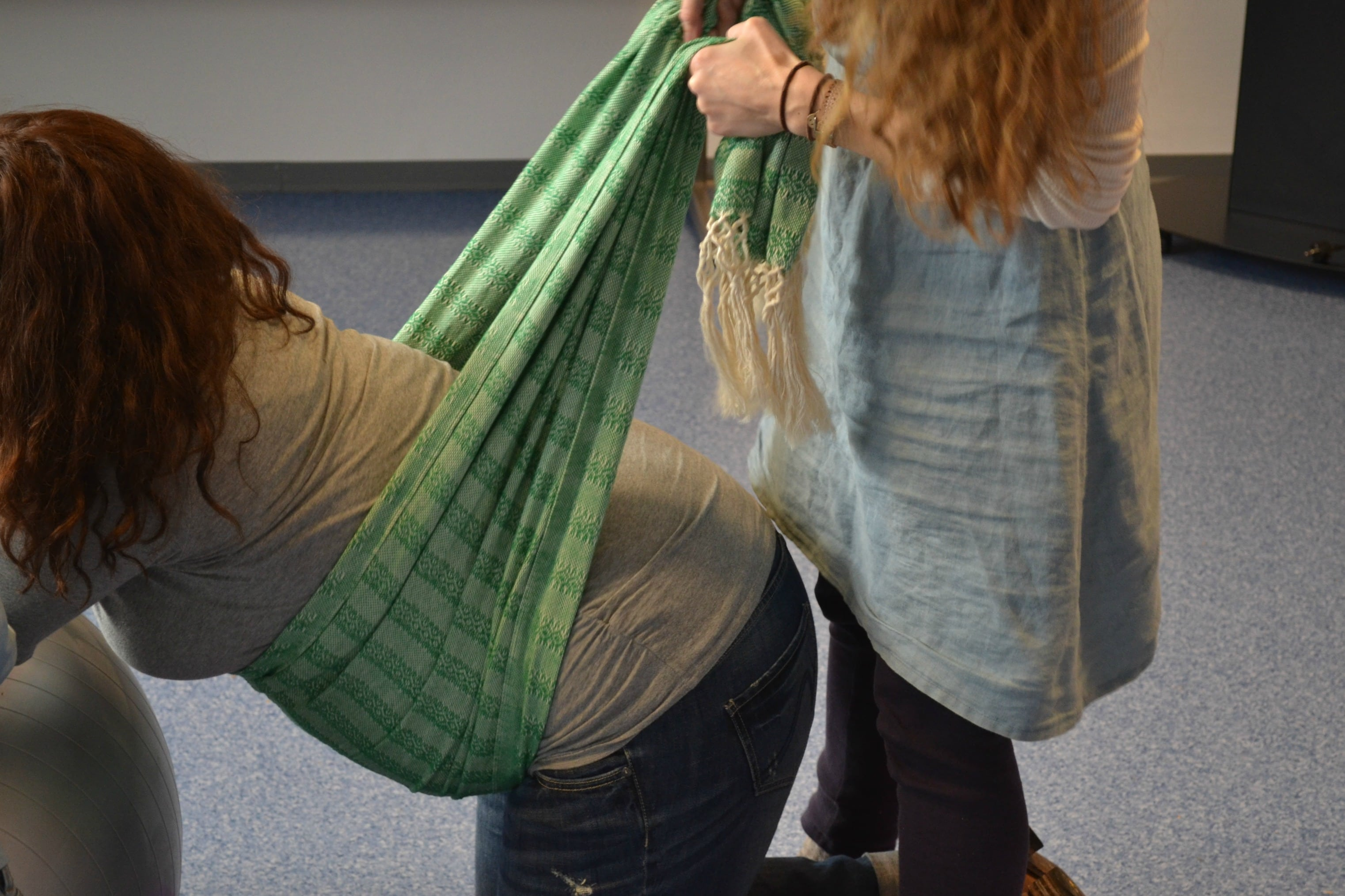 5 Ways to Use a Rebozo During Labor - Modern Alternative Mama